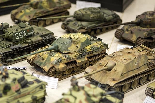 Сборка масштабных моделей на заказ танки техника, самолеты, машины корабли