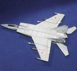 Российский самолет ЕЕ72124 МиГ-25 ПД Сборка и окраска на заказ