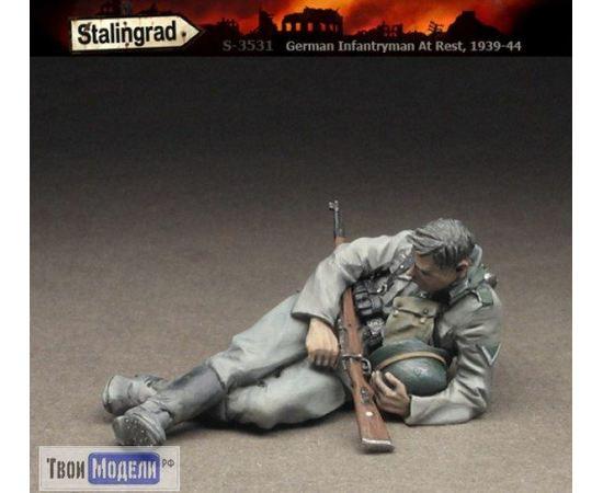 Склеиваемые модели  Stalingrad S-3531 Немецкий пехотинец на привале tm01560 купить в твоимодели.рф